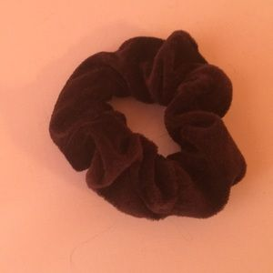 Accessories - Brown scrunchie